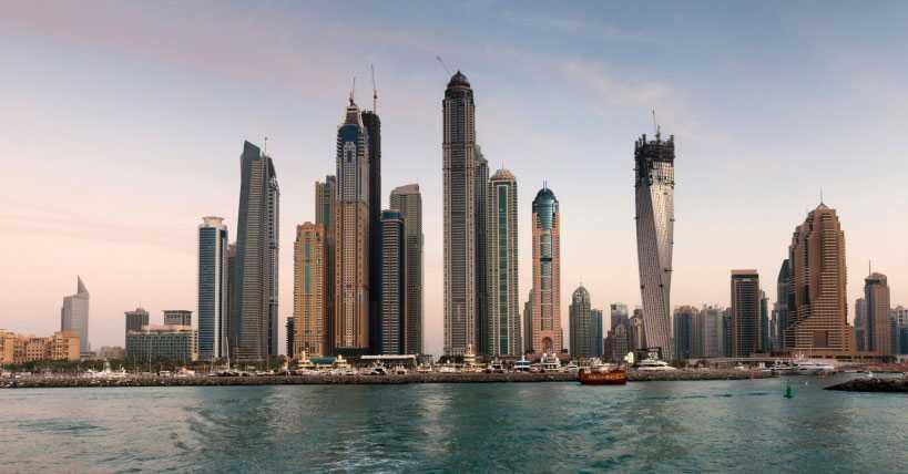 BYEBYE DUBAI Inget Dubai för deckardrottningen.