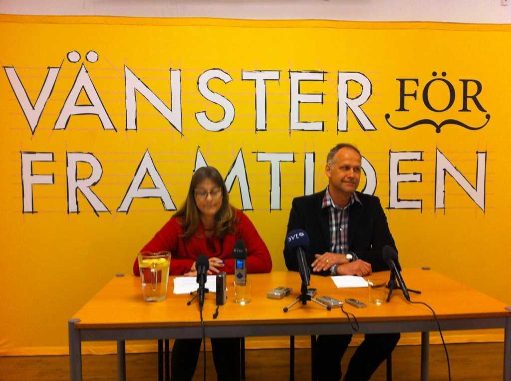 Valberedningens ordförande Elise Norberg och Jonas Sjöstedt under pressträffen på lördagen.
