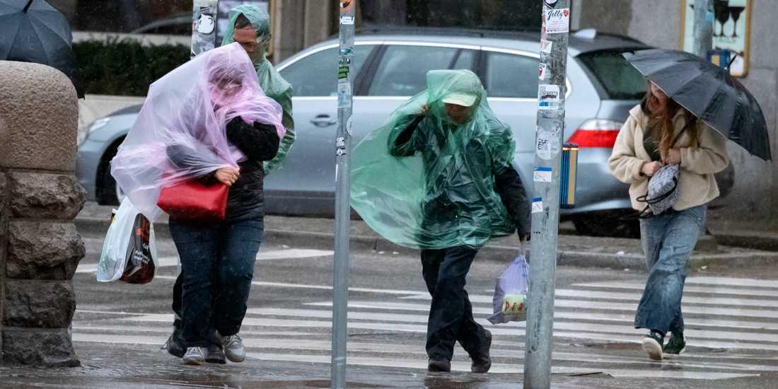 Stormen Knud blev inte så våldsam som befarat. Nu har den dragit vidare till Norge.
