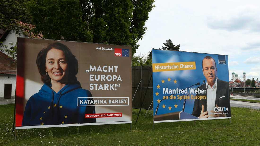 Valaffischer för tyska Socialdemokraterna och bayerska CSU, ett systerparti till Kristdemokraterna, i Passau i södra Tyskland.