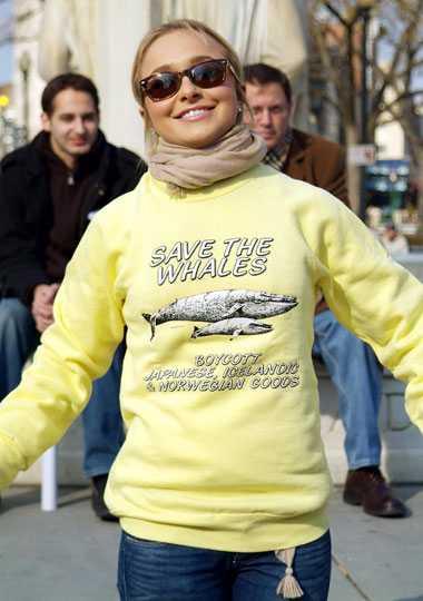 Inget Norge-fan Hayden Panettiere demonstrerar i Washington för att rädda valarna.