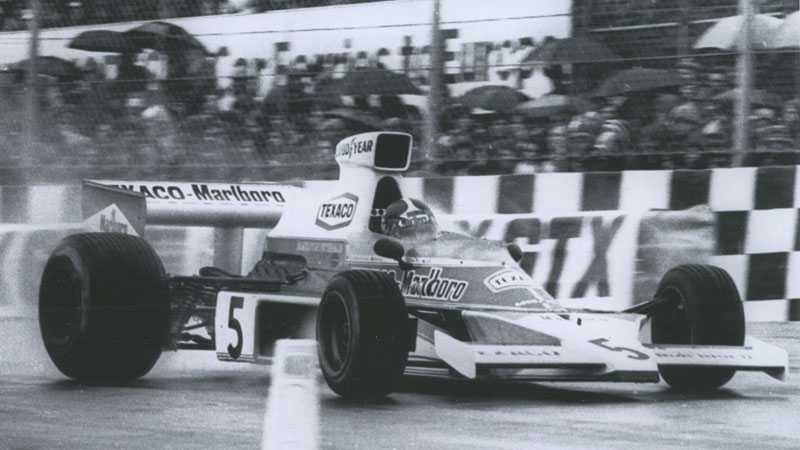 """8. McLaren Ford M23 1974–75 valde McLaren att starta med en """"något"""" höjd tyngdpunkt. 1974 tog Emerson Fittipaldi hem VM-titeln med den och McLaren vann även märkes-VM."""