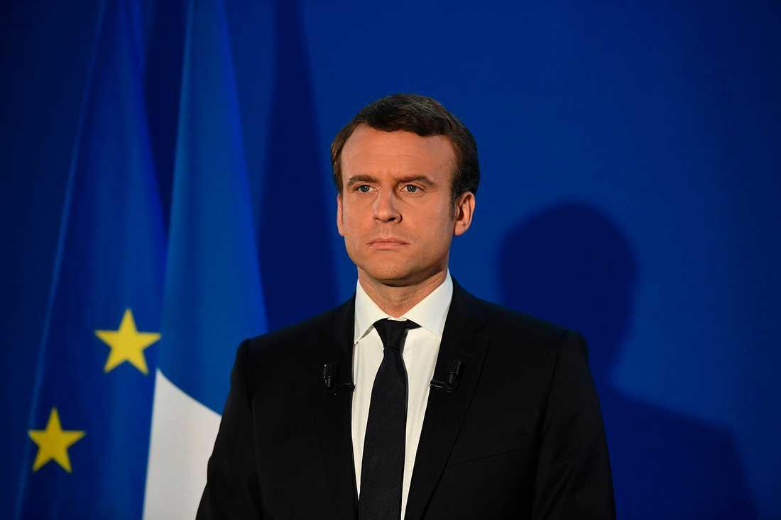Macron talar efter valsegern.