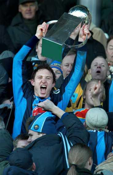 VINNARE PÅ NYTT Djurgården vann SM-guld både 2002 och 2003 med Kim Källström i laget. Nu ska klubben värva nya klasspelare - och bli hela Sveriges stolthet.