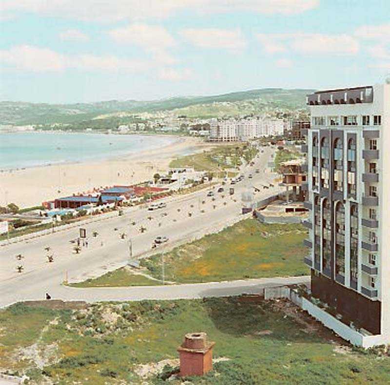 """Bay of Tangier"", Yto Barrada 1998–2004, färgfotografi."