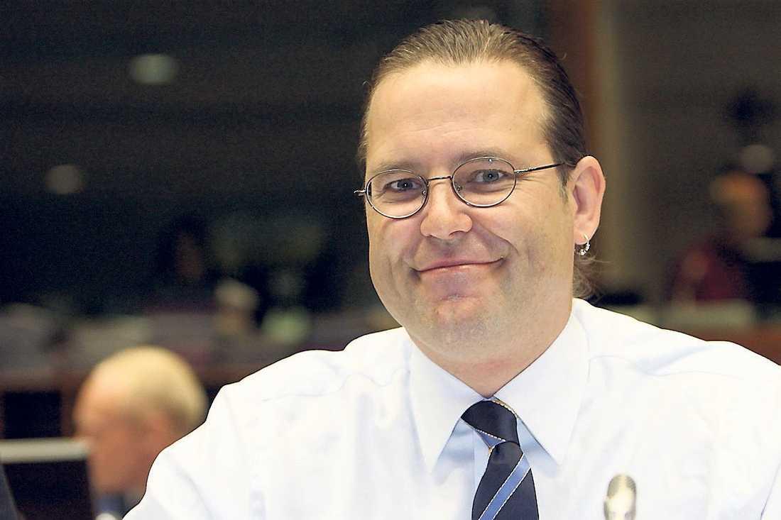 bra jobb Svenska folket tycker Anders Borg gör ett bra jobb. Han hamnar på en delad första plats.