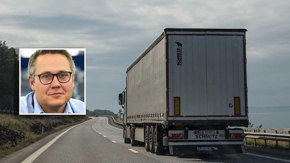 Det är hög tid att det sker en förändring på vägtransportmarknaden. Omröstningen i EU-parlamentet om nya regler är mycket viktigt för den svenska åkeriföretagen. Det är nu upp till bevis för samtliga svenska politiker att stå upp för schyssta villkor på våra vägar, skriver debattören.