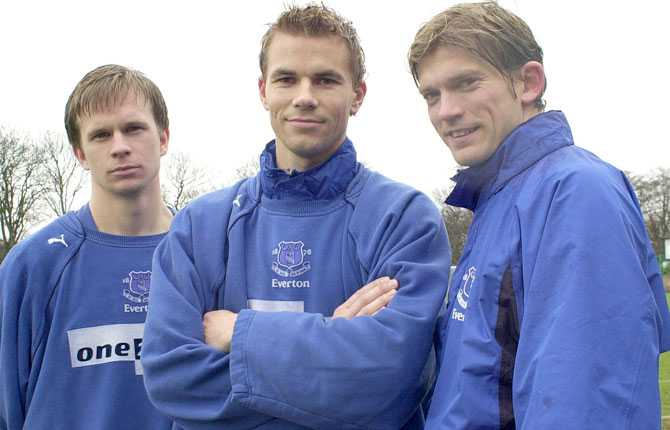 Tobias Linderoth, Niclas Alexandersson och Jesper Blomqvist i Everton 2002.