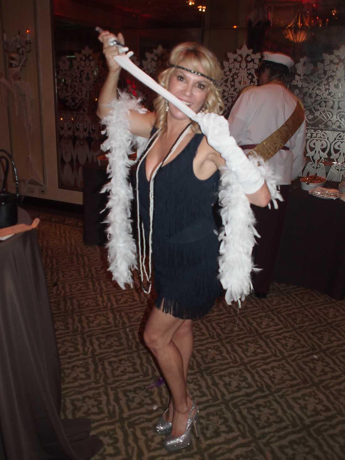 Hollywoodfrun Ramona Singer i en läcker 40-talslook.