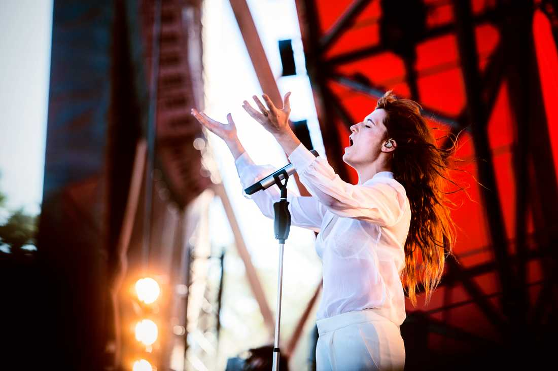 Florence + The Machine på Roskildefestivalen 2015.