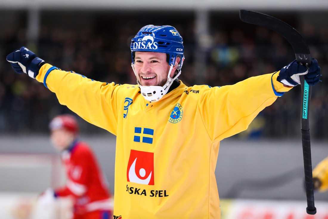 Christoffer Edlund i Villas tröja.