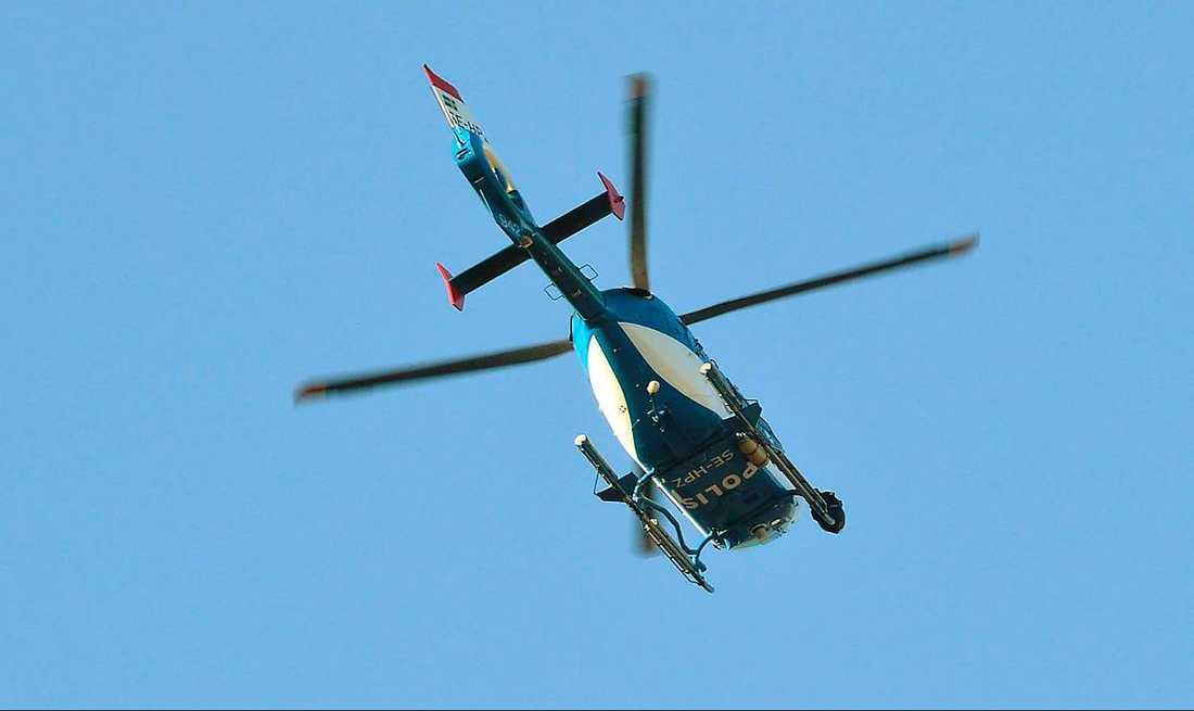 Helikoptern kostade 15 000 kronor i timmen.