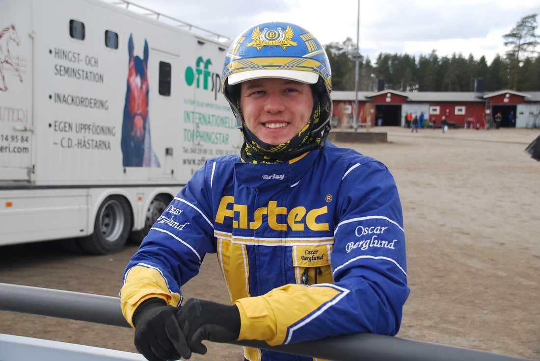 24-årige amatörtränaren Oscar Berglund