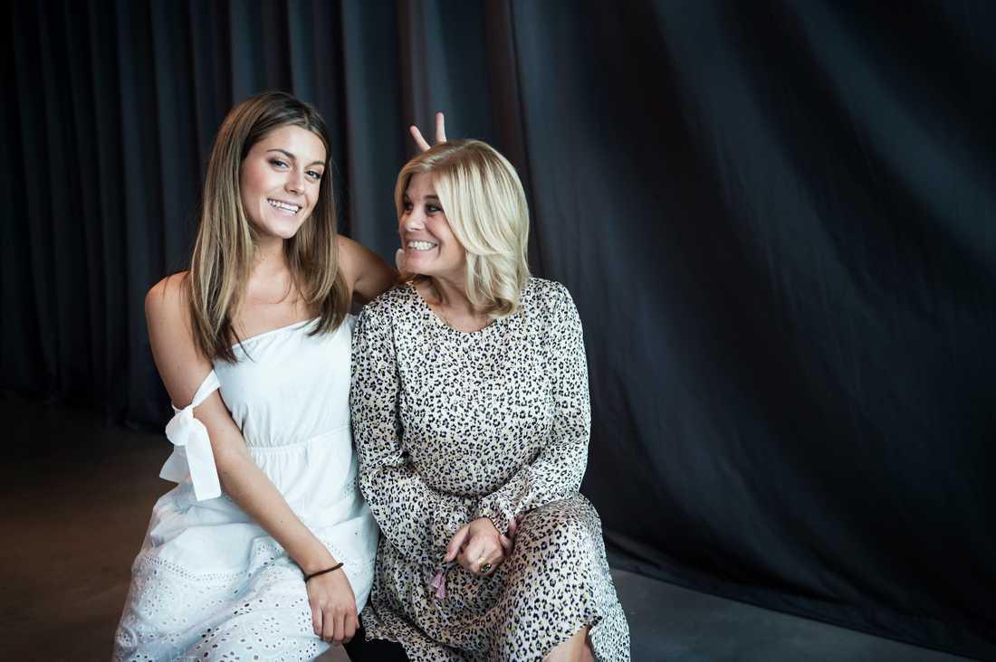Bianca Ingrosso och Pernilla Wahlgren letar hus i Marbella