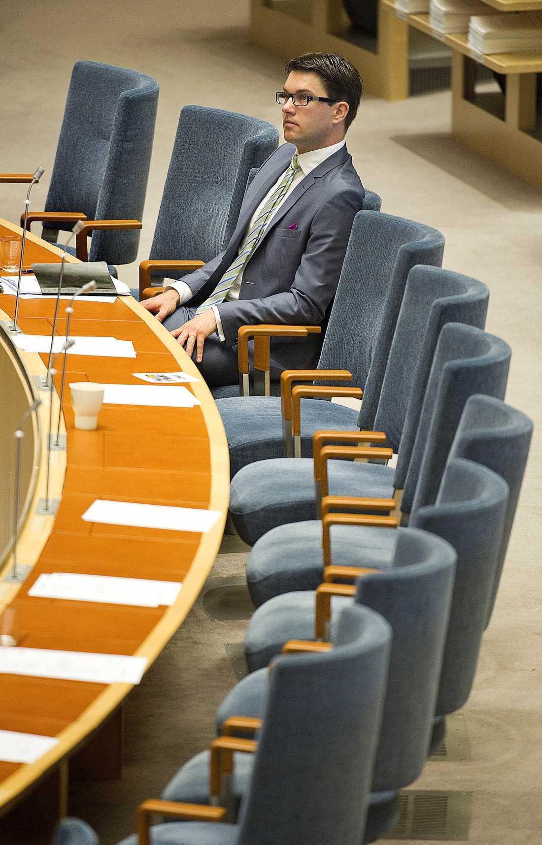 TA DEBATTEN  Hur hopplöst den än kan vara måste vi debattera Sverigedemokraternas föreställningar om arabiska konspirationer. För Åkesson har ett rätt, det gäller kanske Europas viktigaste fråga.