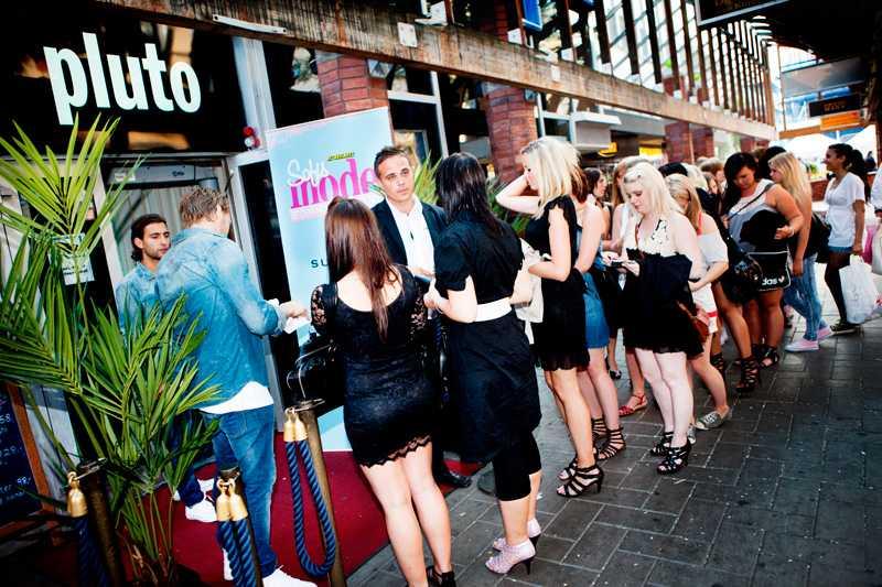 När det var dags för sommaren första Girls Night ringlade kön lång utanför klubben Pluto.
