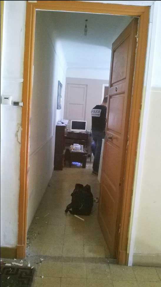 Fransk polis har sökt igenom lastbilsförarens lägenhet.