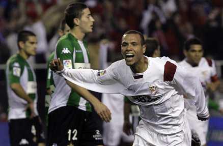 Luis Fabiano gjorde två av Sevillas mål.