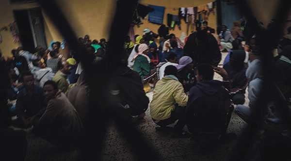 Som fältarbetare på Läkare Utan Gränsers räddningsfartyg träffade vi dagligen människor som flytt fångenskap i Libyen. Unga tjejer som utnyttjats och våldtagits, män som torterats, skriver debattörerna.