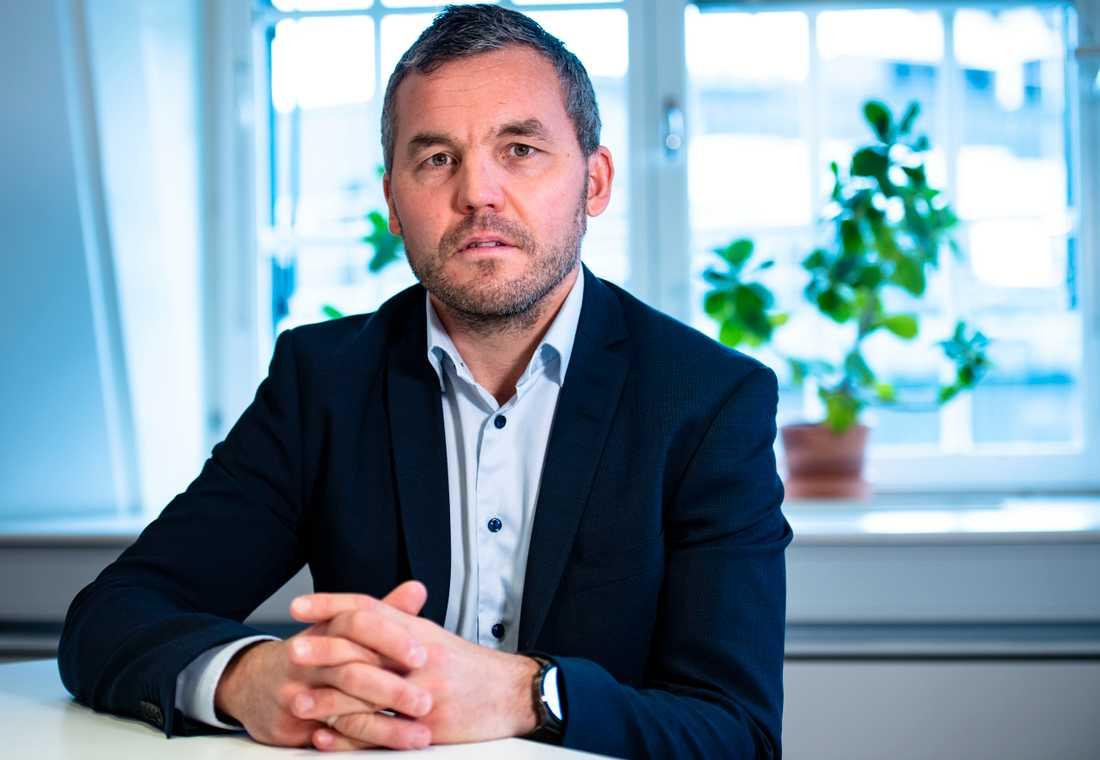 Huaweis Nordenchef Kenneth Fredriksen hoppas en på dialog med svenska myndigheter för att få till ett ändrat beslut så att bolaget får vara med i bygget av 5G-nätet.