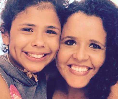 Aileen Pizarro, 43, och hennes 12-åriga dotter Aryana dog också i kraschen.