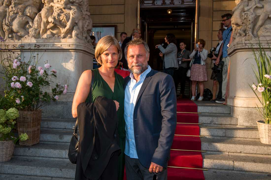 """Michael Nyqvist med maka Catharina Nyqvist Ehrnrooth på premiär av filmen """"Jag är Ingrid"""" i augusti 2015."""