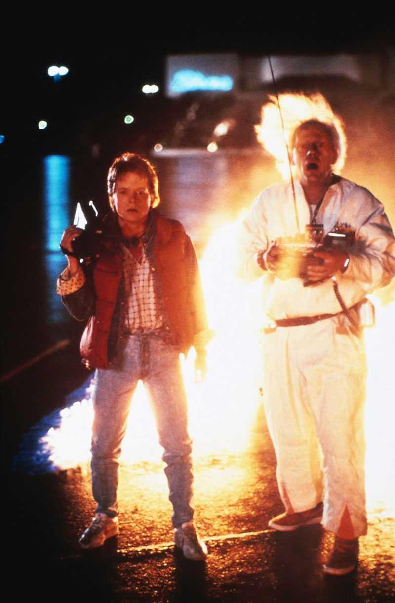 Michael J. Fox kunde spela 17 år hur länge som helst. Här med Christopher Lloyd i Tillbaka till framtiden.
