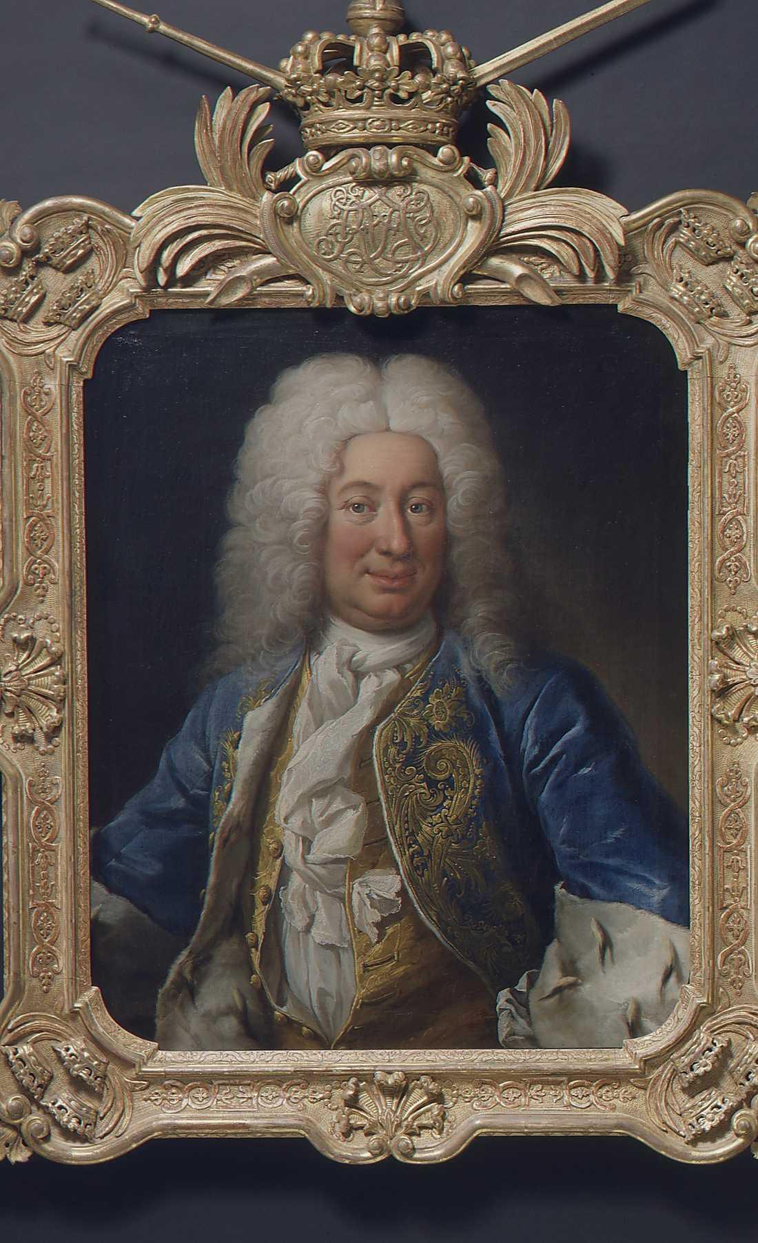 Kung Fredrik I, som var gift med Karl XII:s syster Ulrika Eleonora, var den förste svenske kungen som höll sig med officiell älskarinna, Hedvig Taube hette hon, och födde Fredrik tre barn. Hon avled i barnsäng då det fjärde barnet skulle födas.