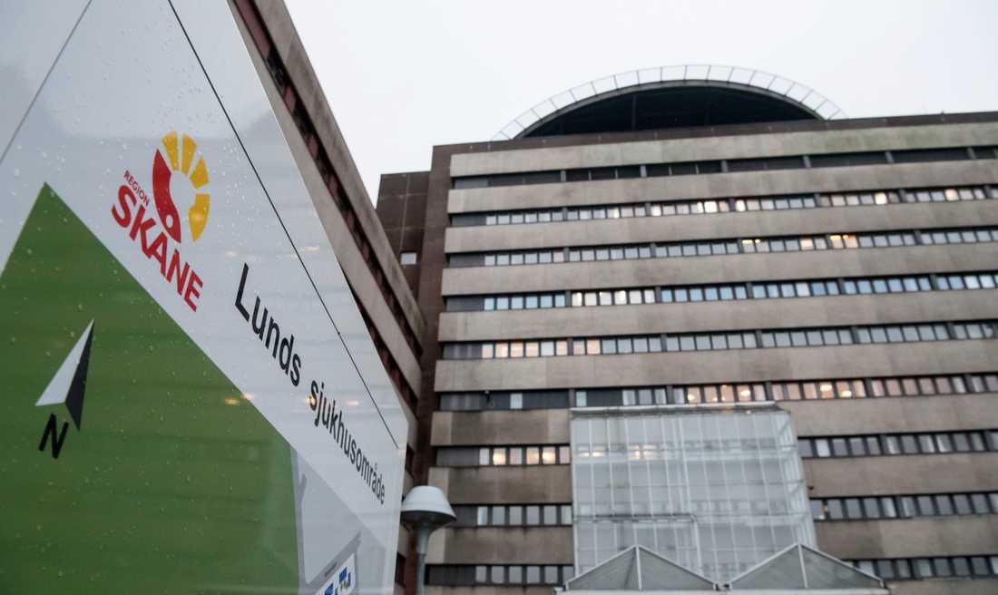 Sju patienter smittades inne på en infektionsavdelning vid ett coronautbrott på Skånes universitetssjukhus. Två av dem avled. Arkivbild.