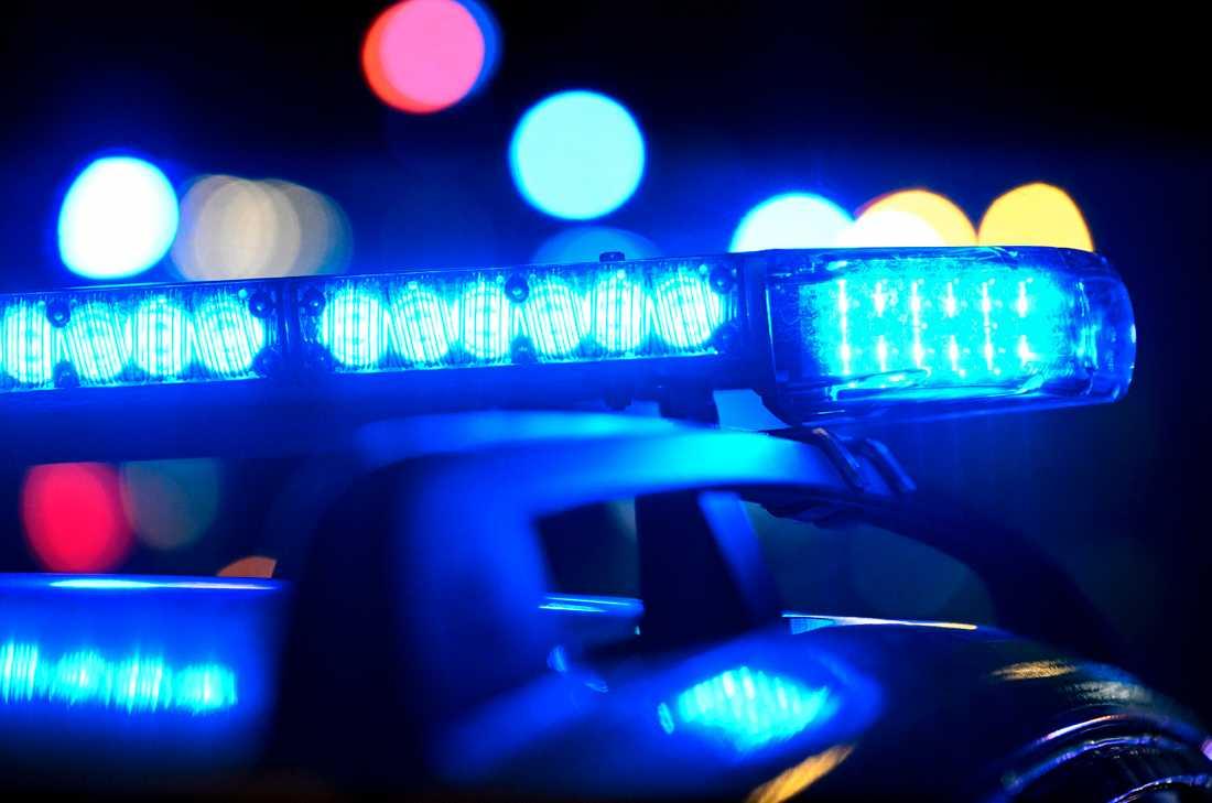 En man stal en bil under knivhot i Töreboda på fredagskvällen. Arkivbild.