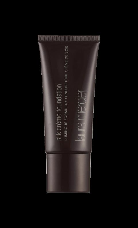 """""""Silk crème foundation"""", Laura Mercier En droppe och fingertopparna är allt som krävs för att wow-effekten ska framträda. Fyllig och mycket dryg foundation med hög täckning och daggfräsch finish får huden att se slät och spänstig ut."""