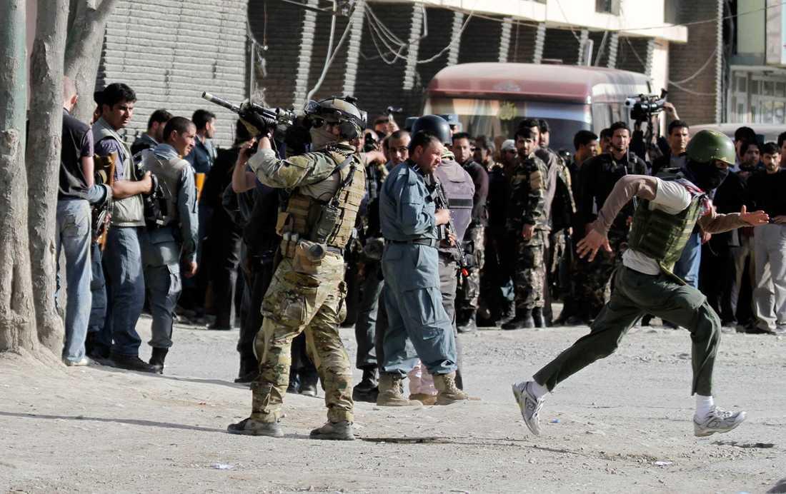 En natosoldat i Kabul.