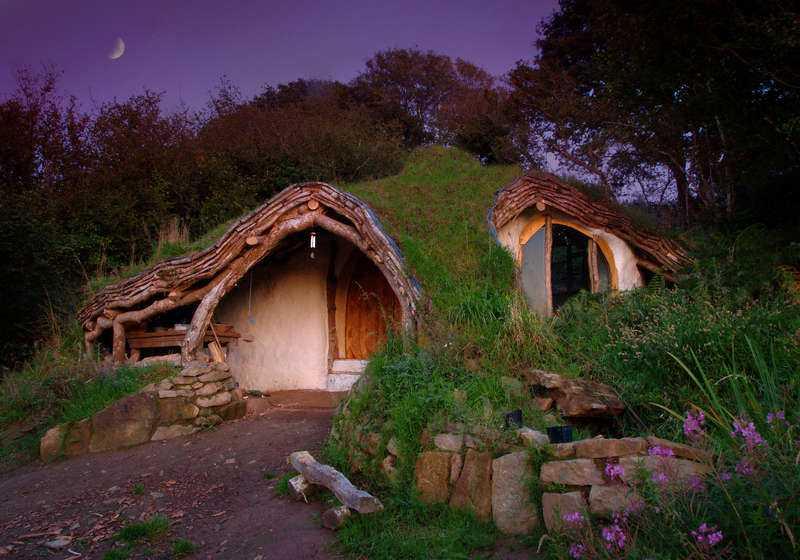 """Sveriges hobsala I """"Sagan om ringen""""-världen bor Bilbo Baggins i Hobsala – men nu ska vem som helst få chansen att bo i ett hobbithus. De ska säljas som andelsbostäder där varje kostar från hundratusen kronor och uppåt."""