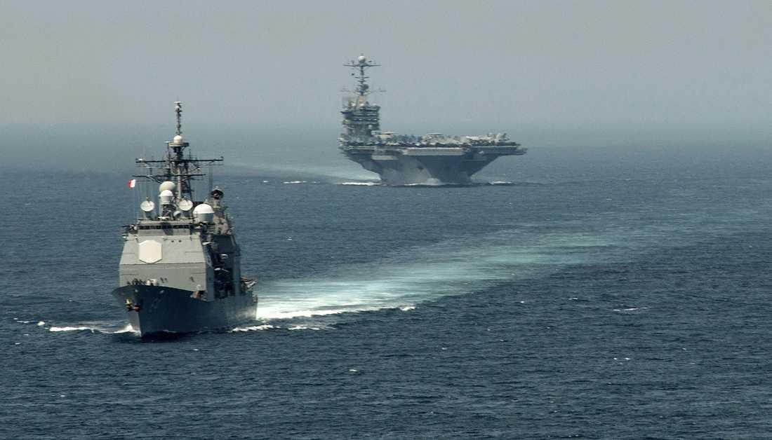 Två av flaggskeppen i amerikanska flottan, USS Gettysburg och USS Harry S. Truman.