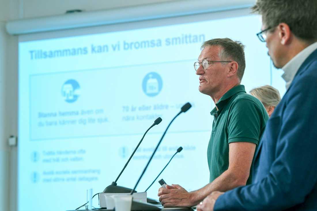 Statsepidemiolog Anders Tegnell och Svante Werger från MSB på pressträffen om coronapandemin.