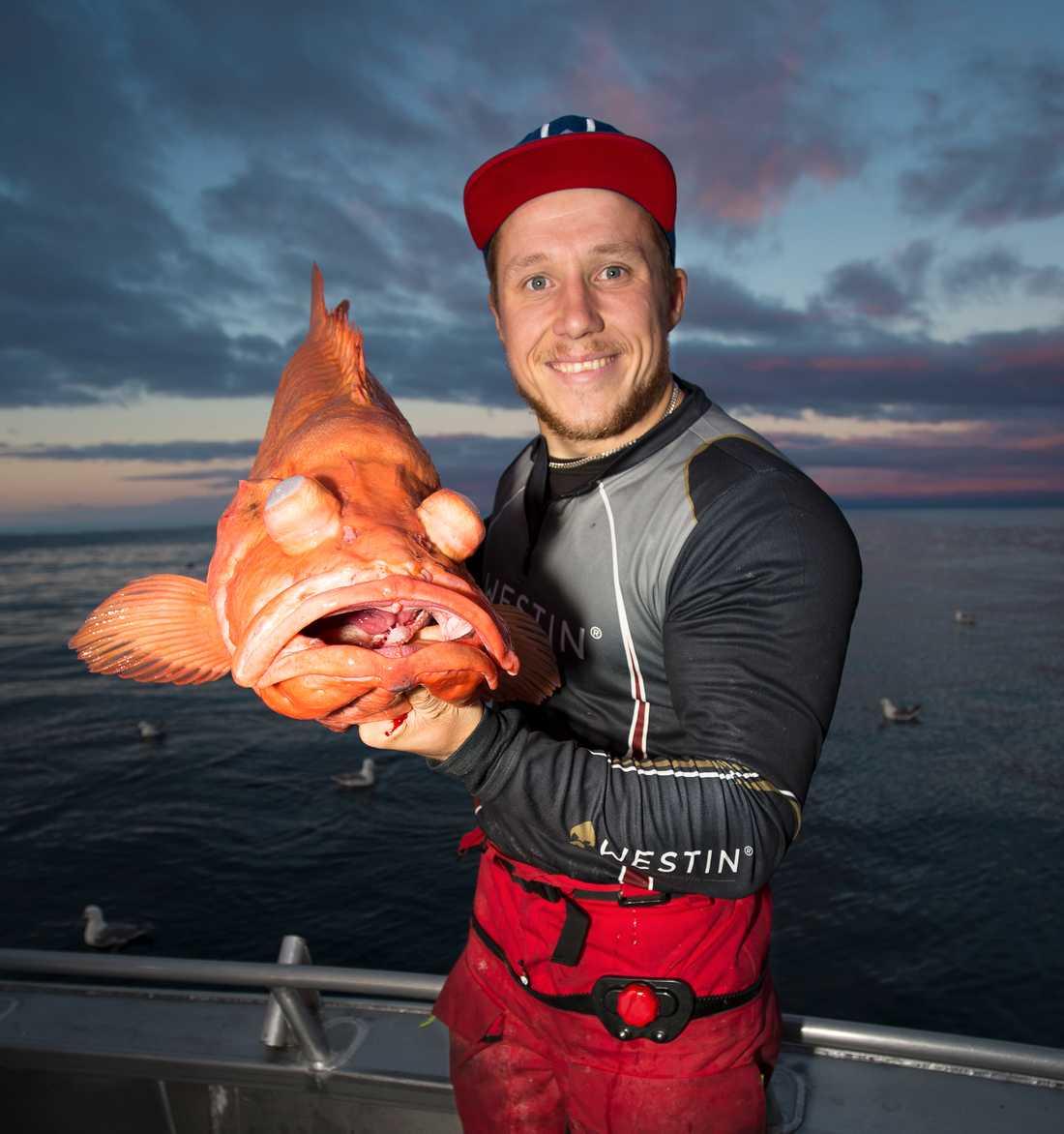 """""""Det är den största kungsfisken som någonsin fångats med spö och rulle från sportfiskebåt"""", Erik."""