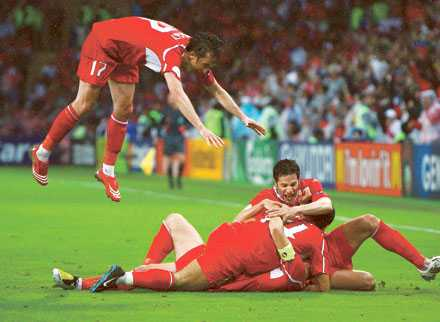 När Turkiet satte 3–2 mot Schweiz på övertid firade spelarna målet som om det inte fanns en morgondag.