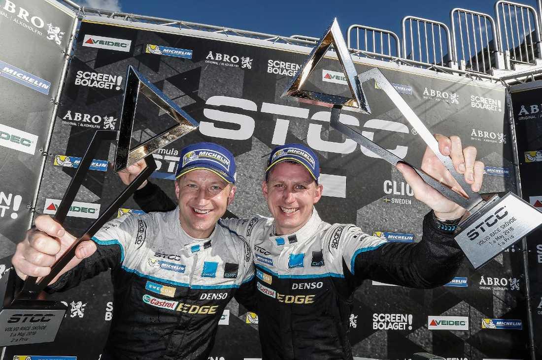 """""""Hård och rättvis kamp"""" Robert Dahlgren och Richard Göransson kör båda för Polestar Cyan Racing. I eftermiddag kommer en av dem att krönas till STCC-mästare 2016."""