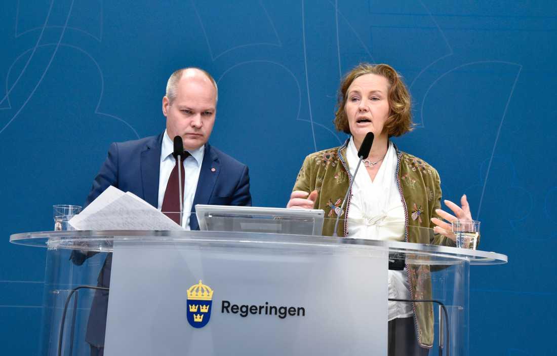 Grumligt hederstänkande har ingen plats i det svenska samhället, påpekar justitie- och migrationsminister Morgan Johansson (S).