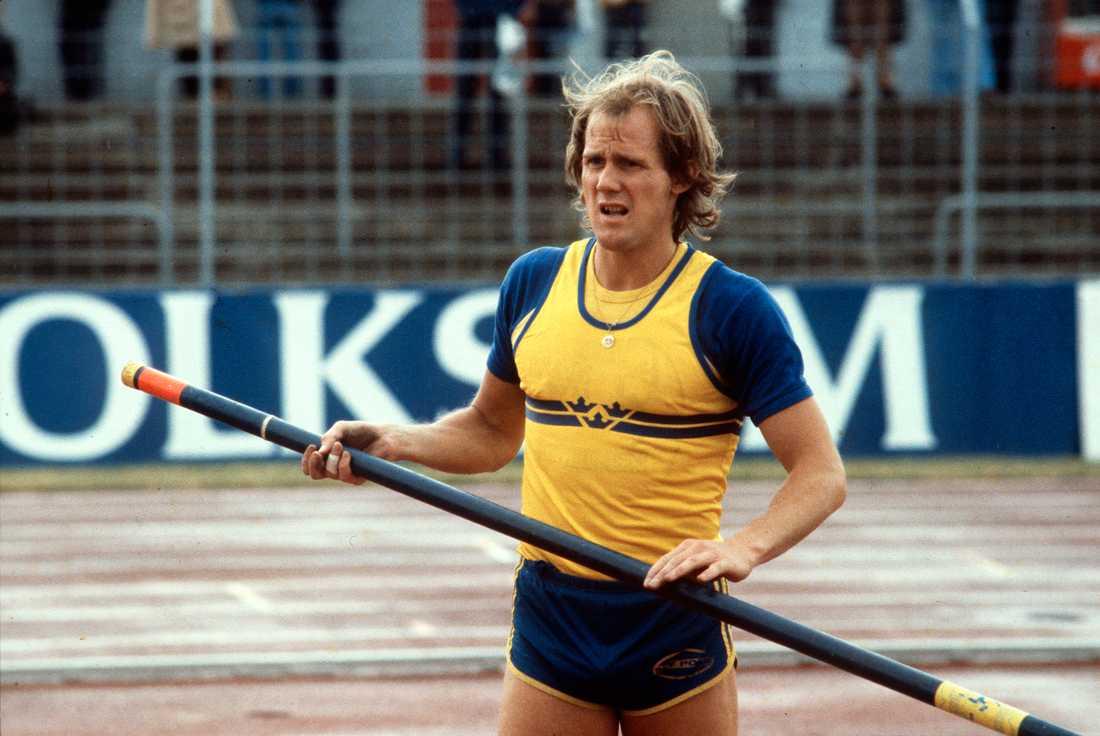 Stavhoppskarriären var lång och Kjell Isaksson vann bland annat tio SM-guld. Det svenska rekordet höll han från 1968 till 1983. EM-silver blev det både 1969 och 1971.