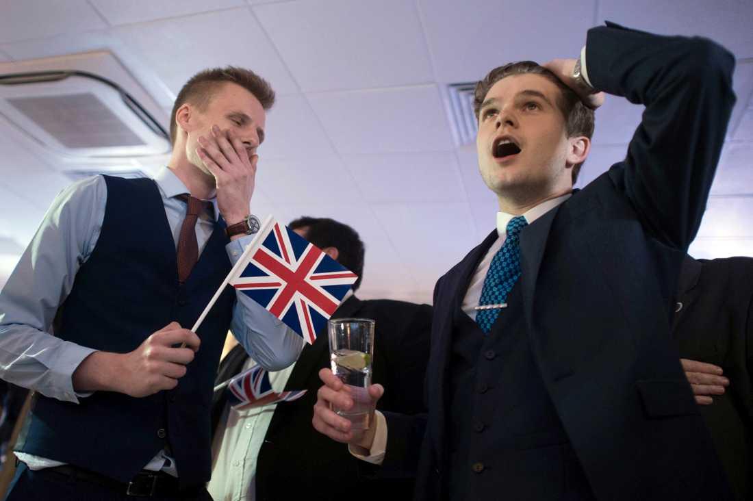 Tidigt på morgonen kom de första uppgifterna om att Storbritannien röstar för att lämna EU.