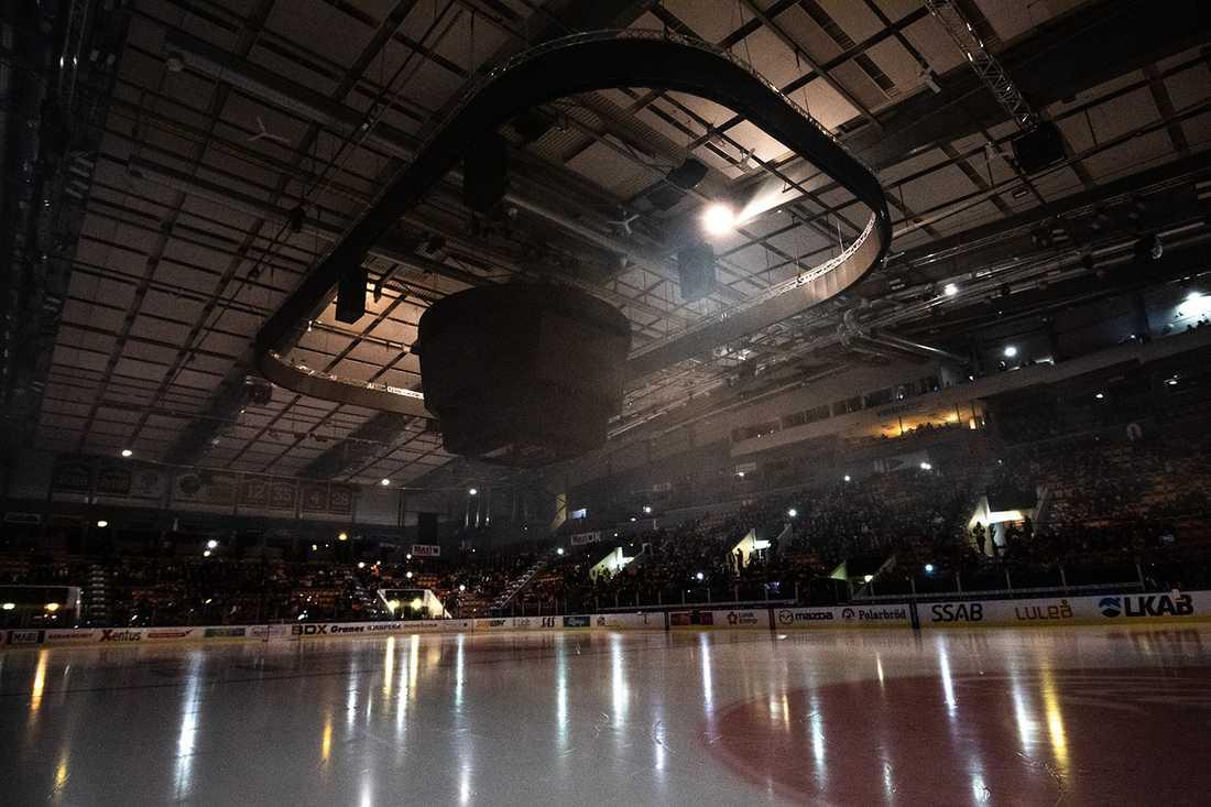 Så här såg det ut i Coop Norrbotten Arena vid 19-tiden.