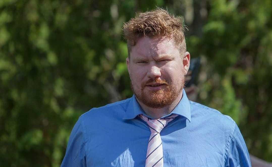 Eddie, 31, mördades, tror polisen, av den gripne mannen.