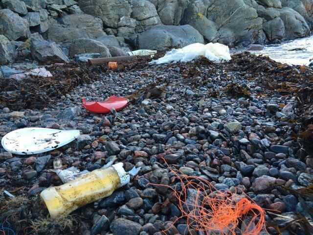 Över 30000 säckar plast och dessutom en massa annat skräp. Så lyder resultatet av en rejäl städning längs med Bohusläns stränder.