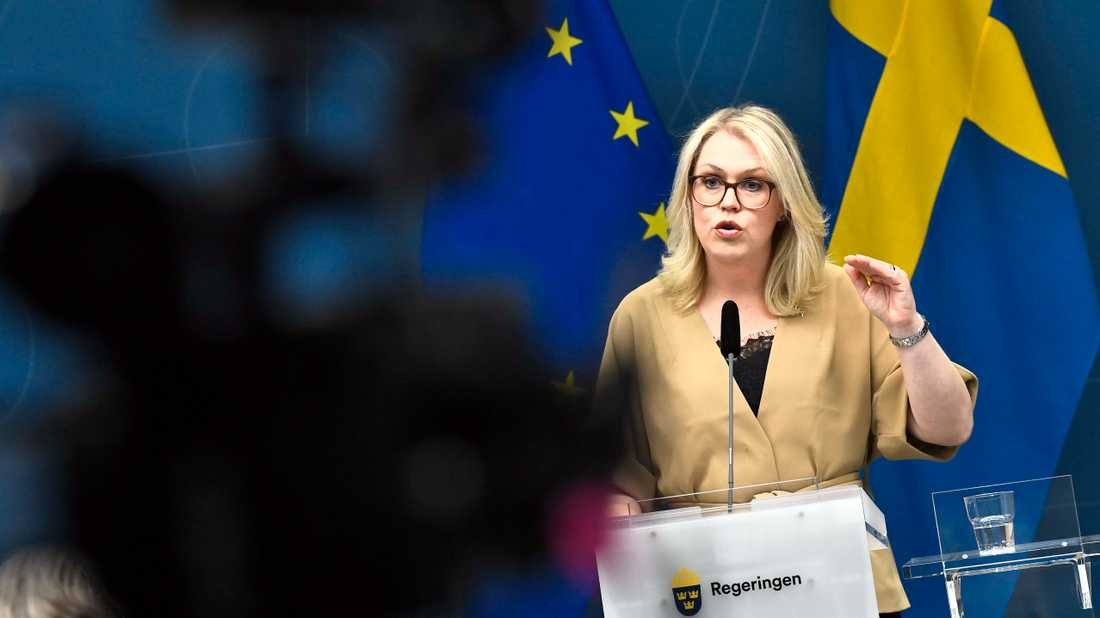 Lena Hallengren (S), socialminister