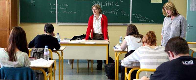 I tidningen Kamratpostens undersökning svarade 16 procent av 8–14-åringarna att de någon gång känt sig mobbade av sin lärare.