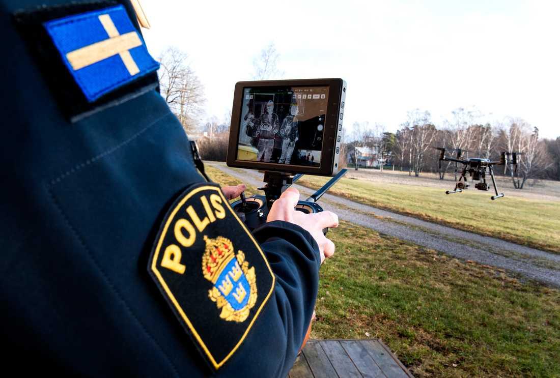 Drönare som är utrustade med värmekamera används ofta vid eftersök av försvunna personer.