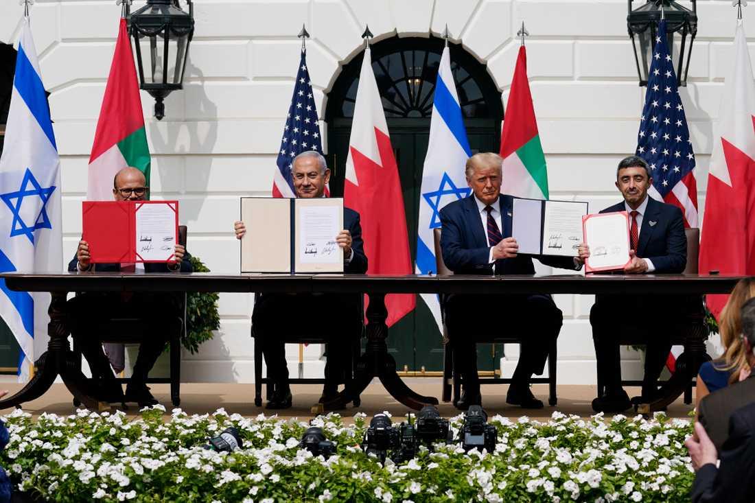 """Wolfgang Hansson: """"Avtalen med Förenade Arabemiraten och Bahrain som i går skrevs på i Vita huset är första gången, sedan Egypten och Jordanien skrev på fredsavtal med Israel, som arabvärlden bryter den enade fronten mot Israel."""""""