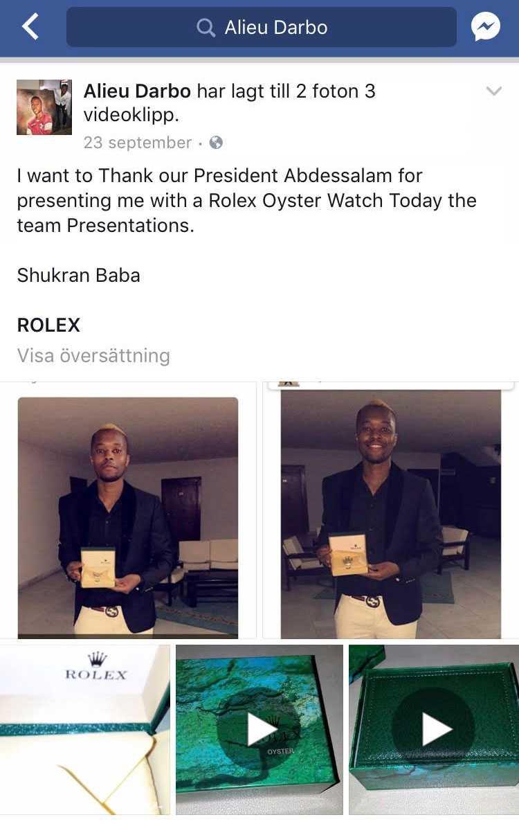 Alieu Darbo poserar med Rolex-klockan på sin Facebook-sida.
