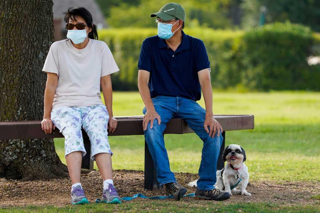 I Texas är det numera obligatoriskt med munskydd, efter den kraftiga ökningen av antalet sjuka.